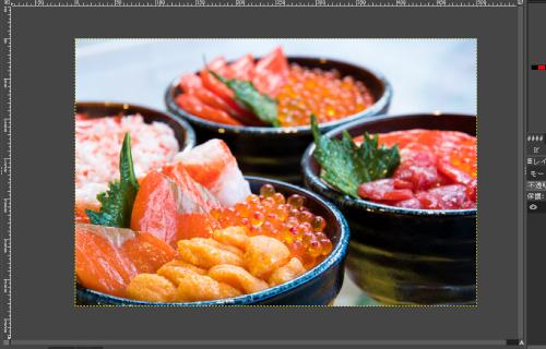 『GIMP』で小さくする海鮮丼の写真