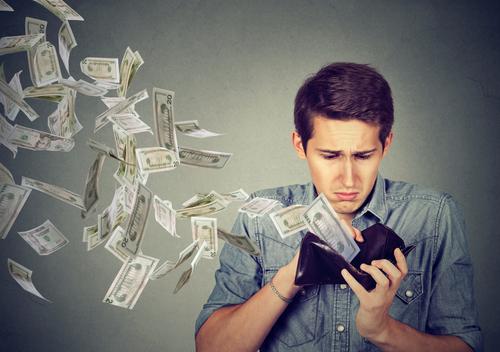 フリーランスは固定費を鬼のように下げないと脱落しやすい——