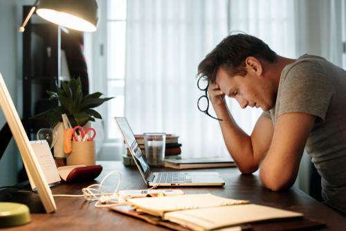 なぜ完璧主義はストレスや先送りの原因になってしまうのか——