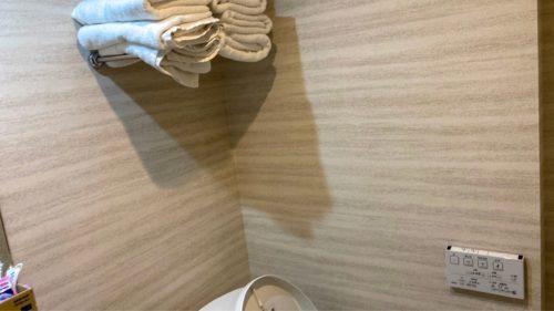 『HOTEL CLASSE STAY SAPPORO』のトイレ。の上にある棚。(ツインルーム)
