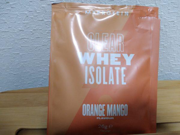 【MYPROTEIN】の透明プロテイン、クリアホエイアイソレート『オレンジマンゴー味』。