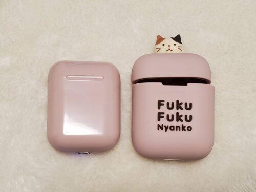 FukuFukuNyanko ワイヤレスイヤホンの実物(外したカバーと本体)