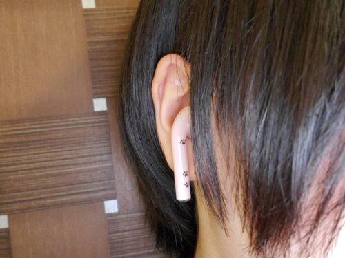 FukuFukuNyanko ワイヤレスイヤホンの実物を装着した状態